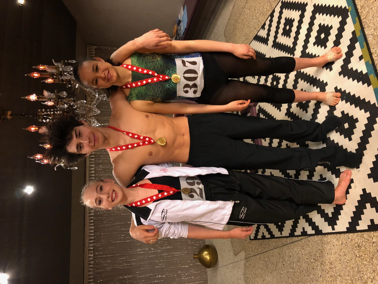 Médaille d'or de nos élèves Cassandre, Nolan et Camille au concours international de la Côte.
