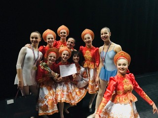 le 1er prix avec félicitations du jury (20 points sur 20) a été attribué à la danse de caractère chorégraphiée par Lyudmyla Dutruel.